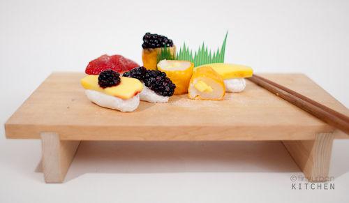 Mochi and fruit sushi