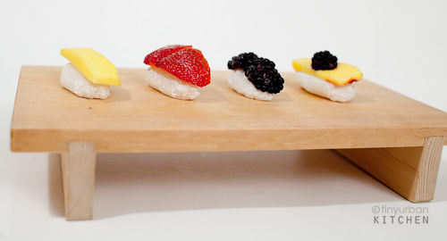 Mochi and fruit sushi2